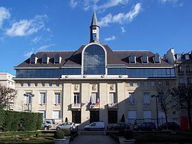 La mairie de Saint-Mandé en 2012.
