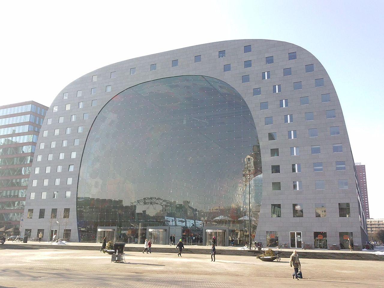 https://upload.wikimedia.org/wikipedia/commons/thumb/d/df/Markthal_Rotterdam_2015.jpg/1280px-Markthal_Rotterdam_2015.jpg
