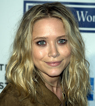 Mary-Kate Olsen - Olsen at the Tribeca Film Festival in 2009