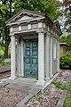 Mausoleum op Oud Eik en Duinen.jpg