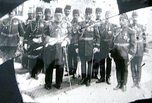 Mehmed V - Image: Mehmed V vo Bitola so pridruzbata