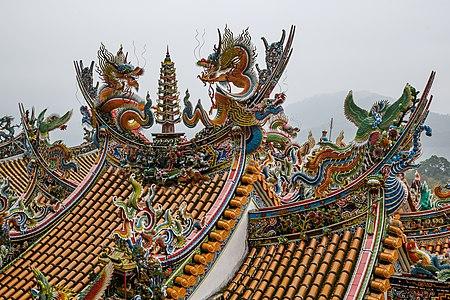 Miaoli-County Taiwan Quanhua-Temple-02.jpg