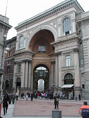 Piazza della Scala - Image: Milano galleria piazza scala