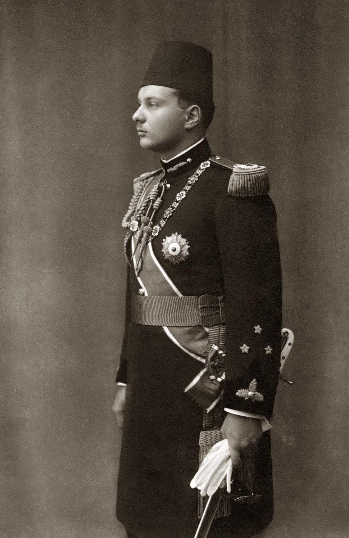 ModernEgypt, Farouk I in Military Uniform, DHP13655-10-1 01