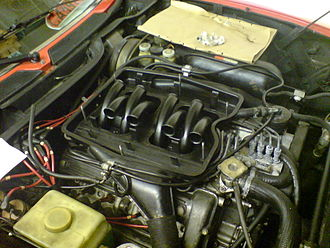 Alfa Romeo Montreal - Montreal engine with removed cover of the air intake chamber