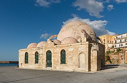 Mosque harbour Chania 2.jpg