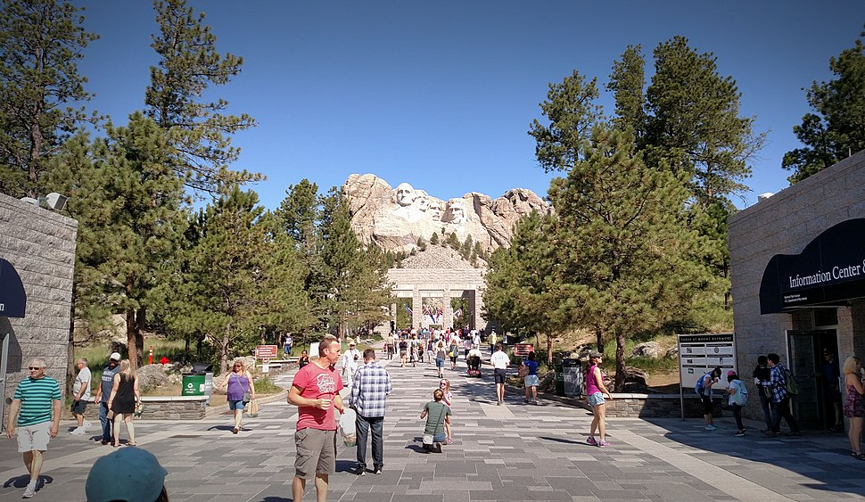 Mount Rushmore walkway to viewing area