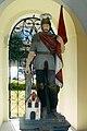 Muszyna. Figura św. Floriana w kapliczce z XVIII wieku..JPG