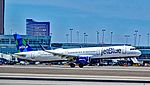 "N956JT JetBlue Airways 2015 Airbus A321-231 - cn 6791 ""The Bluer, The Better"" (27167662930).jpg"