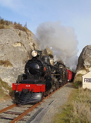 Weka Pass Railway - A 428 at Frog Rock.
