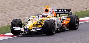 Renault R28 - Image: Nelson Piquet 2008 test 2