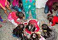 Niños jugando en piñata.jpg