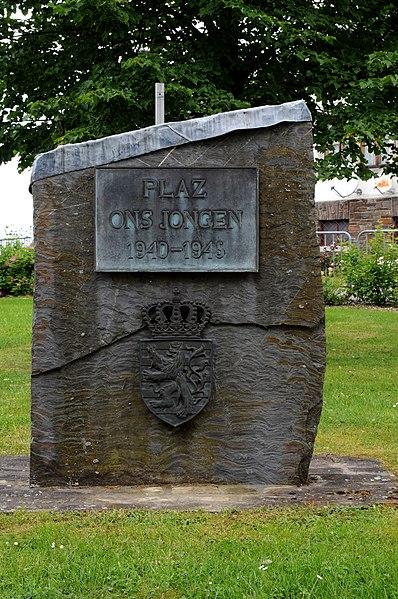 Plaz on Jongen 1940-1945 zu Housen .