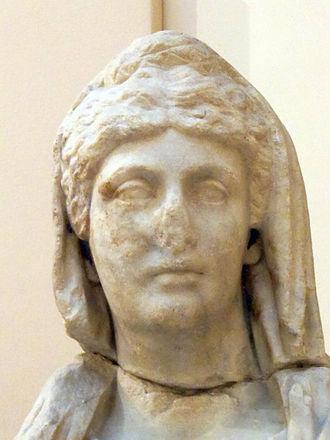 Annia Cornificia Faustina Minor - Statue of Annia Cornificia Faustina Minor (Archaeological Museum in Ostia antica)