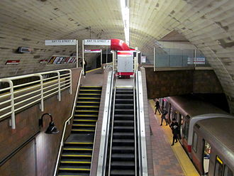 Porter station - A Red Line train at Porter on the lower (outbound) platform