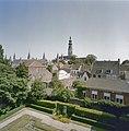 Overzicht vanaf de zolder van het Van de Perrehuis- gezicht op de stad, met op de voorgrond de tuin vóór de nieuwbouw - Middelburg - 20378304 - RCE.jpg
