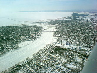 Pärnu (river) - The river, frozen in winter, at the point where it enters the sea