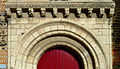 P1290036 Savennières eglise St-Pierre-St-Romain tympan et frise rwk1.jpg