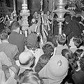Paasviering. Gelovigen in de Heilige Graf kerk. Ontsteken van het Paasvuur, Bestanddeelnr 255-5240.jpg