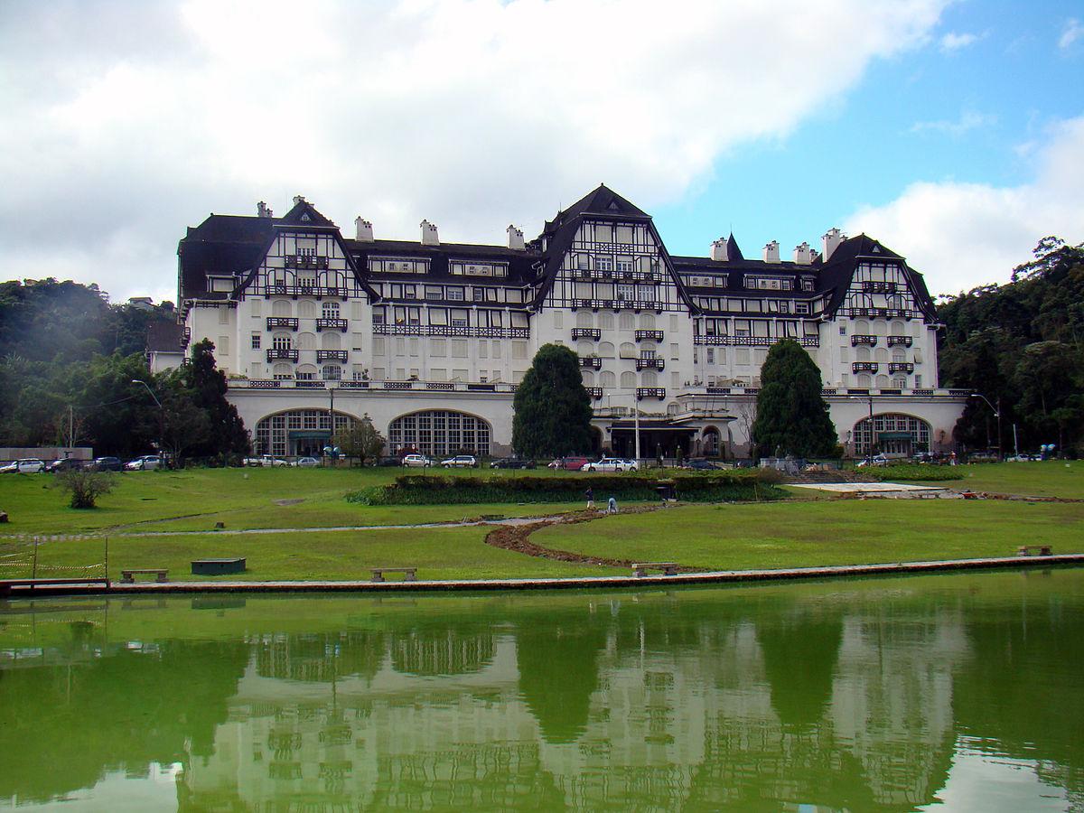 Palácio Quitandinha, Petrópolis.jpg