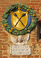 Palazzo vicariale di certaldo, facciata, stemma gondi.JPG