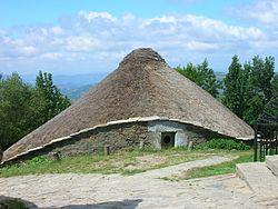 Pallozas o Cebreiro - Foto Wikipedia SanchoPanzaXXI