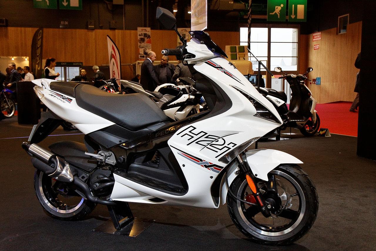 File paris salon de la moto 2011 peugeot jet 50 h2i for Salon de la photo paris