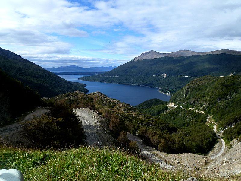 File:Paso Garibaldi Lago Escondido Argentina - panoramio.jpg