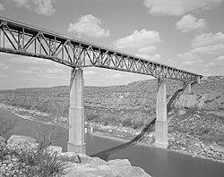 Pecos river bridge.jpg