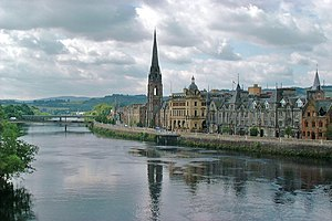 Perth, View of the River Tay from Perth Bridge - geograph.org.uk - 1711451.jpg