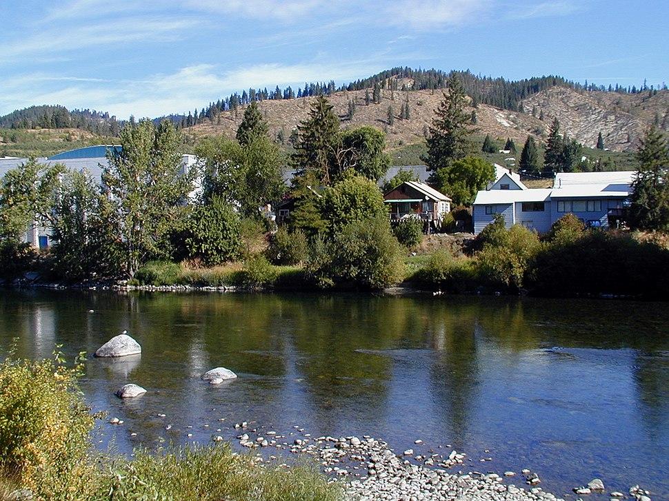 Peshastin Washington from banks of Wenatchee River