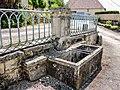 Petite fontaine, rue de l'église à Boult.jpg