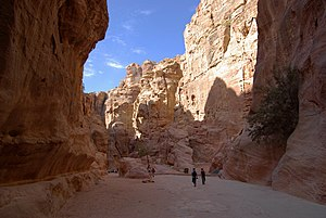 Petra, Siq at the widest place