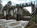 Pfinz-Entlastungskanal, Wehr an der Grabener Allee bei kleinem Hochwasser.jpg