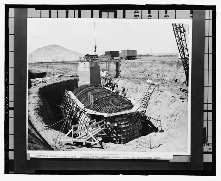 File:Photographic copy of photograph (ca. 1962, original print in possession of Peter Kiewit Sons' Co., Omaha, Nebraska) Photographer unknown. View of reinforcing steel and forms for egg of HAER SD-50-24.tif