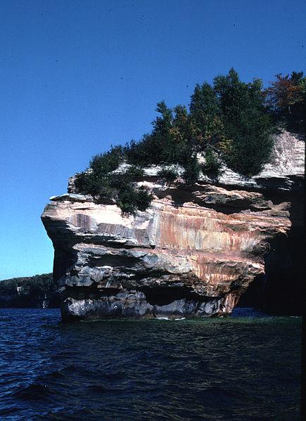File:Pictured Rocks National Lakeshore PETITP-1.jpg