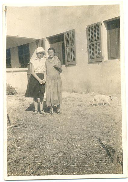 אסתר ובלהה אברמסקי