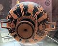 Pittore di lyandros, kylix attica a fondo bianco da cesa (marciano della chiana), con afrodite in trono, 460 ac. ca 2.JPG