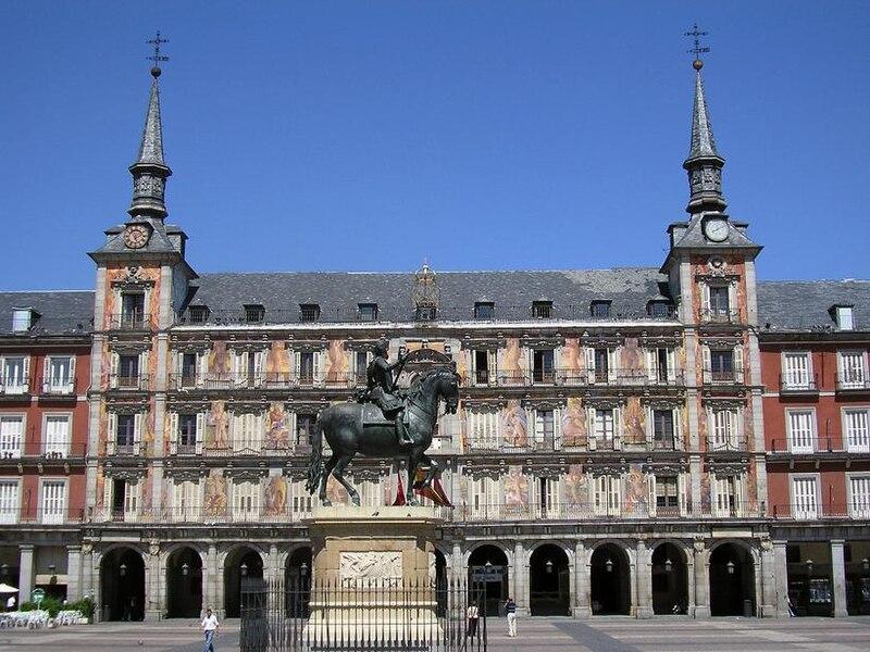 Soubor:Plaza Mayor kůň.jpg