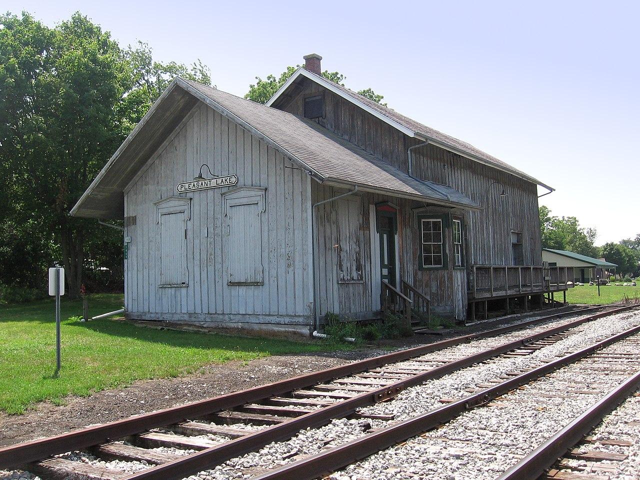 lake station single guys Guys garage address: 2220 ripley street, lake station, in 46405, united states phone: +1 219-963-1404.