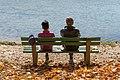 Poertschach Halbinselpromenade Landspitz Parkbank Paar 02112015 2046.jpg