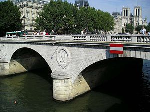 Pont Saint-Michel - Pont Saint-Michel with Notre-Dame de Paris in the background