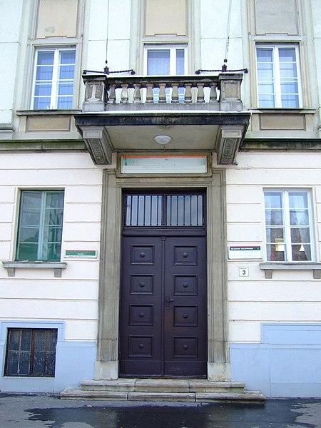 File:Postaigazgatóság épülete (5229. számú műemlék).jpg