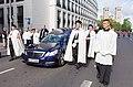 Prozession Beisetzung Kardinal Meisner -4228.jpg