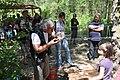 Quinson journée de la préhistoire, méthode pour faire du feu.jpg
