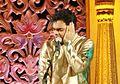 Rahul Deshpande singing in Vasantotsav 2010.jpg