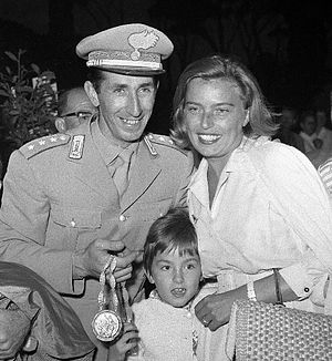 Raimondo D'Inzeo - D'Inzeo with family at the 1960 Olympics