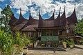 Raiyani Muharramah rumah gadang-9818.jpg