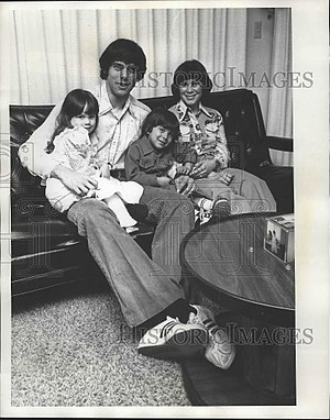 Ralph Mann - Image: Ralph Mann with family 1976