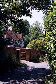 Reading, Calcot - geograph.org.uk - 2009.jpg